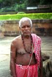 temple-priest-Bhubaneshwar.jpg