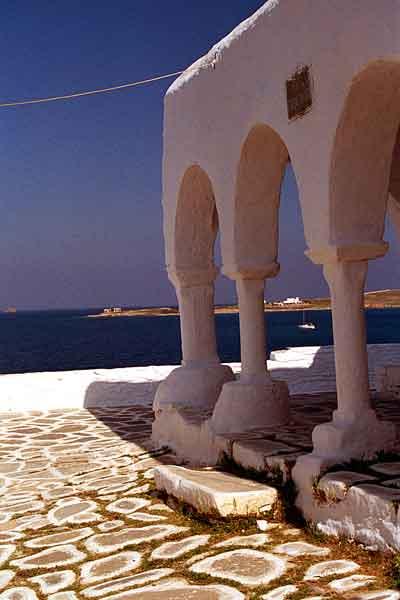 Arches-on-Paros.jpg