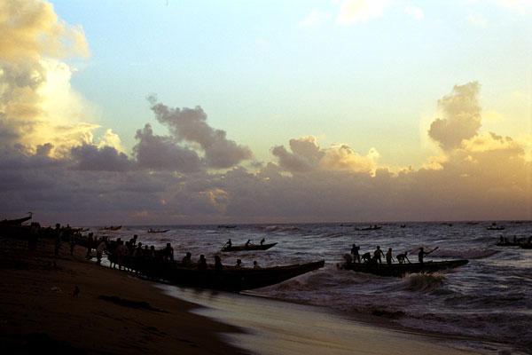 launching-fishing-boats-Puri