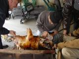 After a while, it was decided to roast the front and back parts of the pig separately.