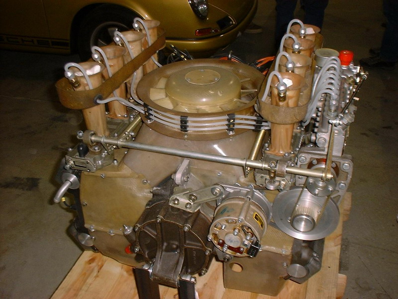 Porsche 907 Flat-8 Cylinder Engine, Slide-Injection - Photo 2 photo ...