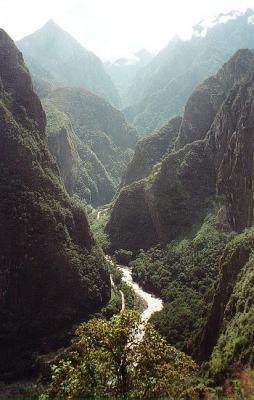 The winding hill up to Machu Picchu