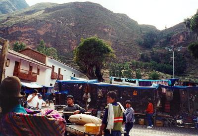 Pisac Market, keeping the tents supplied