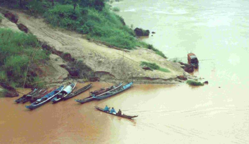 MekongBoatsSmall.jpg