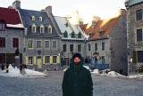 Roy a froid sur la Place Royale du Québec.