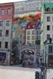 Une grande murale sur un edifice