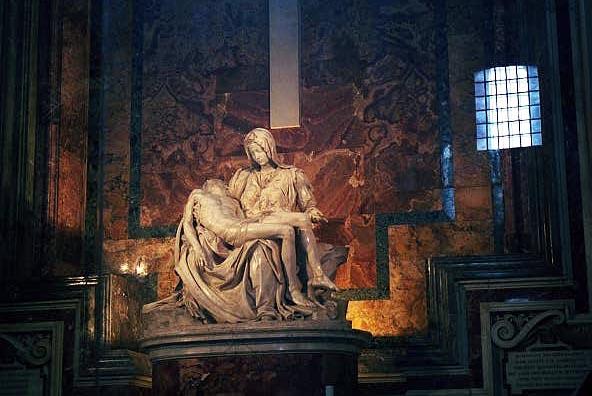 Michaelangelos Pieta, St. Peters Basilica