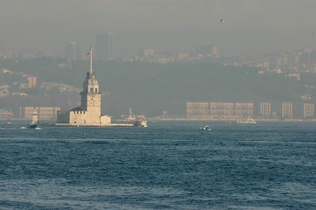 Kiz Kulesi from Bosporus ferry