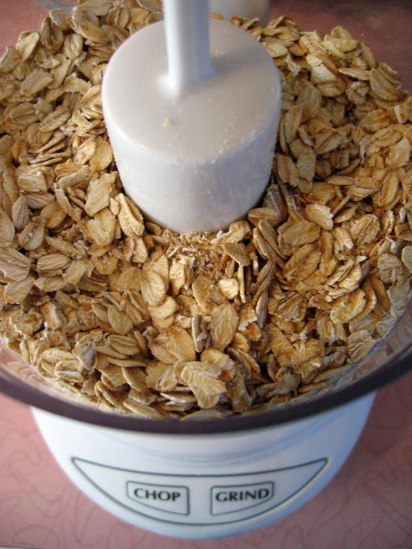 Process oats to a coarse grind
