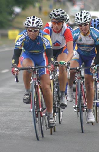 oenone leading chasers last lap.JPG