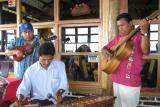 Musicians at Laguna de Apoyo