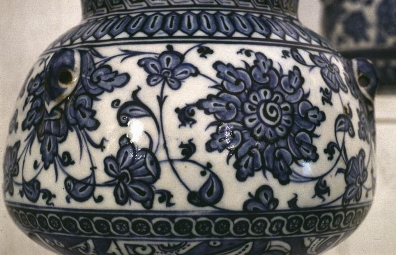 Mosque lamp in blue-white detail