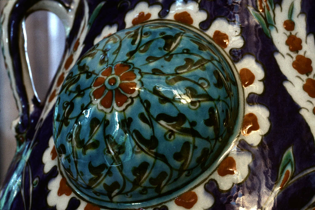 Mosque lamp in polychrome detail
