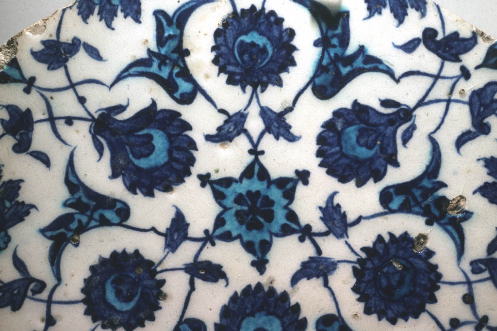 Tile with blue flowers