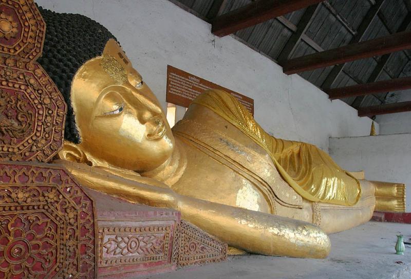 Reclining Buddha - Wat Chedi Luang, Chiang Mai