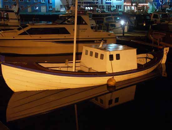 á lygnum sjó - Calm sea