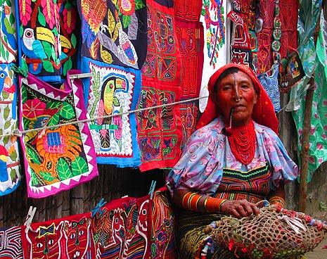 San Blas Pipe Smoking Kuna Woman2