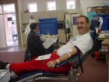 Jeff Knapp donating blood