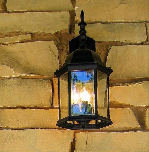 04 26 03 lantern . canon s50.jpg