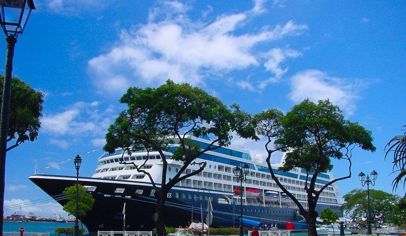 Cruiseship1.jpg