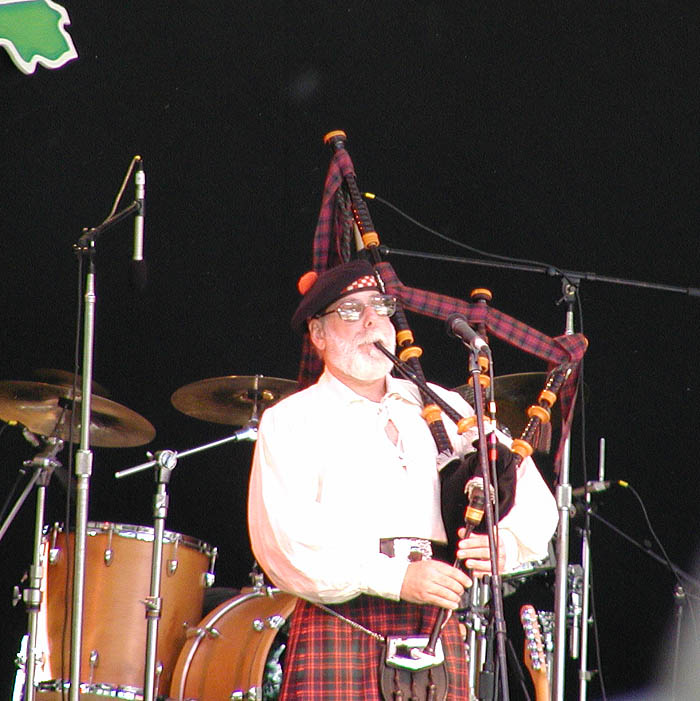 Opening Bagpipes played by Joe Dickerson