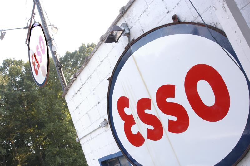 The Esso Club