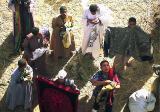 Vendeurs près de l'écluse d'Esna