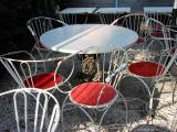 9.15 red and white chairs