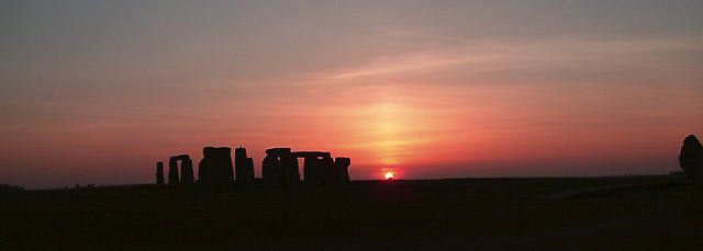 The sun sinks at Stonehenge (1857)