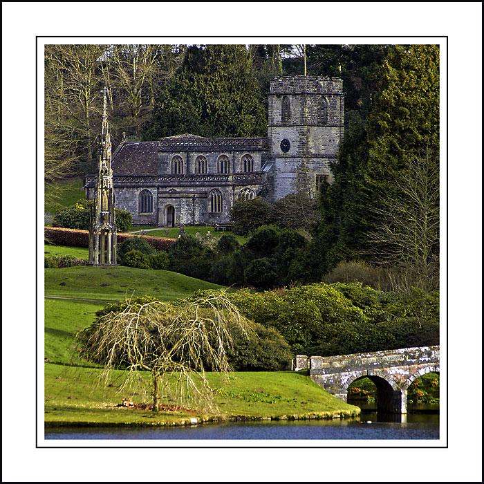 Church, bridge and monument ~ Stourhead
