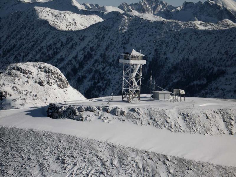 Slate Peak (Slate1-021505-20adj.jpg)
