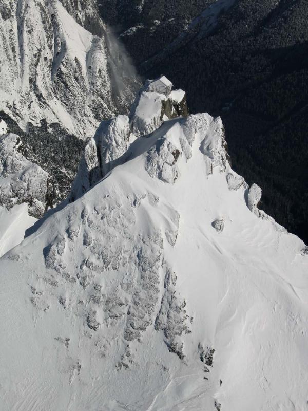 Lookout & Avalanche:  Three Fingers (ThreeFingers020805-102adj.jpg)