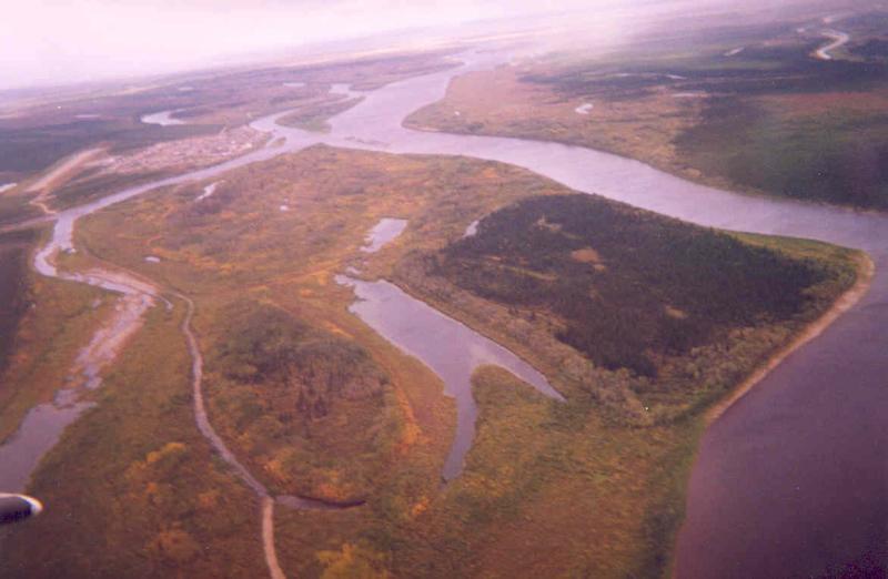 Aerial view of Attawapiskat from west.