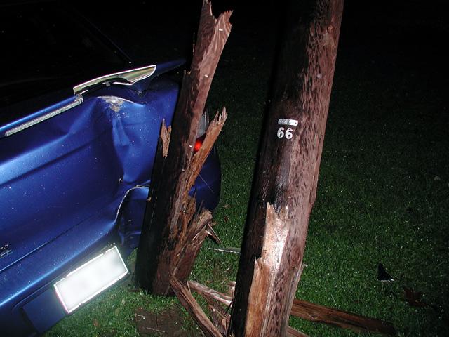 Broken pole Broken car.jpg
