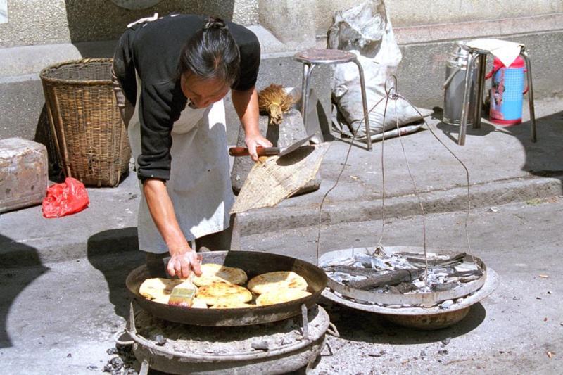 street vendor Xizhou.jpg