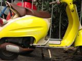 yellow vespa.jpg