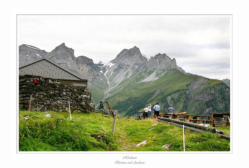 Ankunft  bei der  Alphütte auf der Baumgarten-Alp