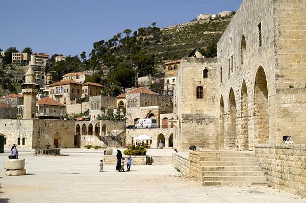 Deir al-Qamar