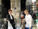 Jennifer et Judith Miller à la Place des Vosges