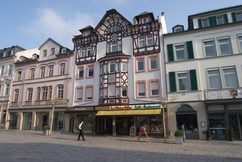 House near the Waisenhaus Platz