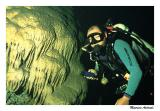 Akira na Caverna Rock Hole