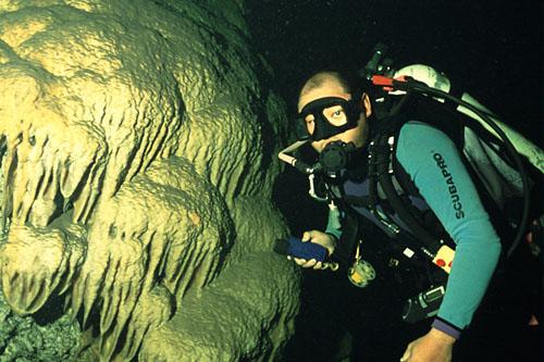 Caverna Rock Hole em San Andres