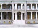 Iolani Palace close-up