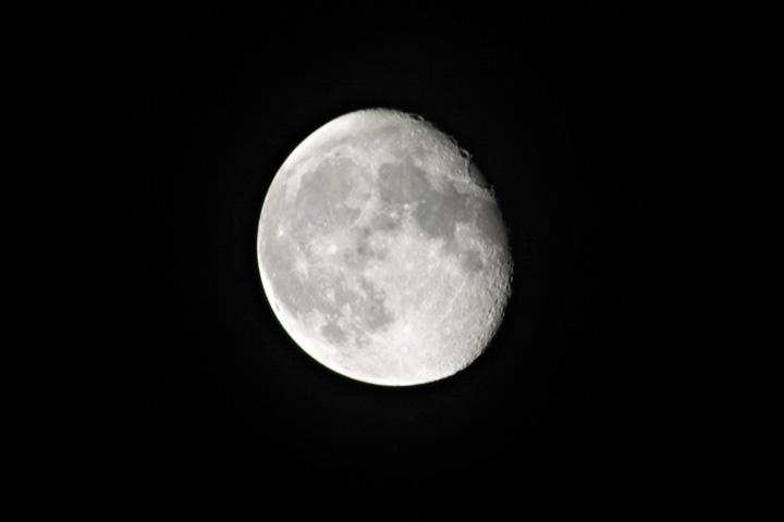 Moon 9-1-04.jpg