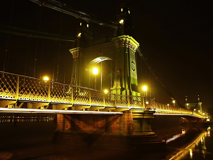 february 9: hammersmith bridge