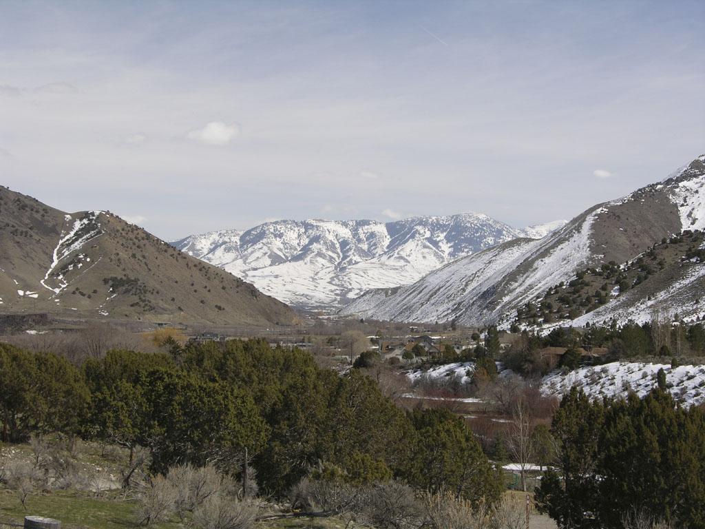 Port Neuf Gap from Mink Creek Road Pocatello Idaho DSCN0158.jpg