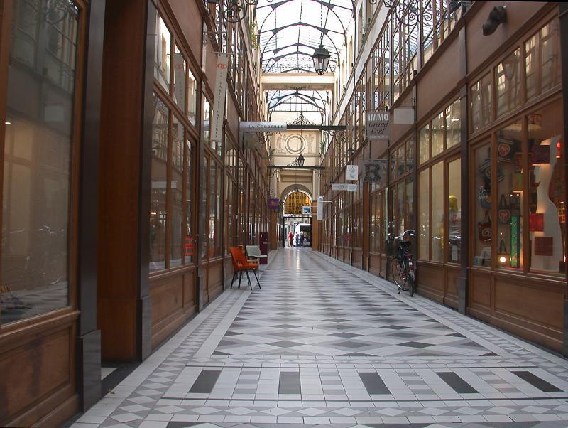 Passage off rue St. Denis