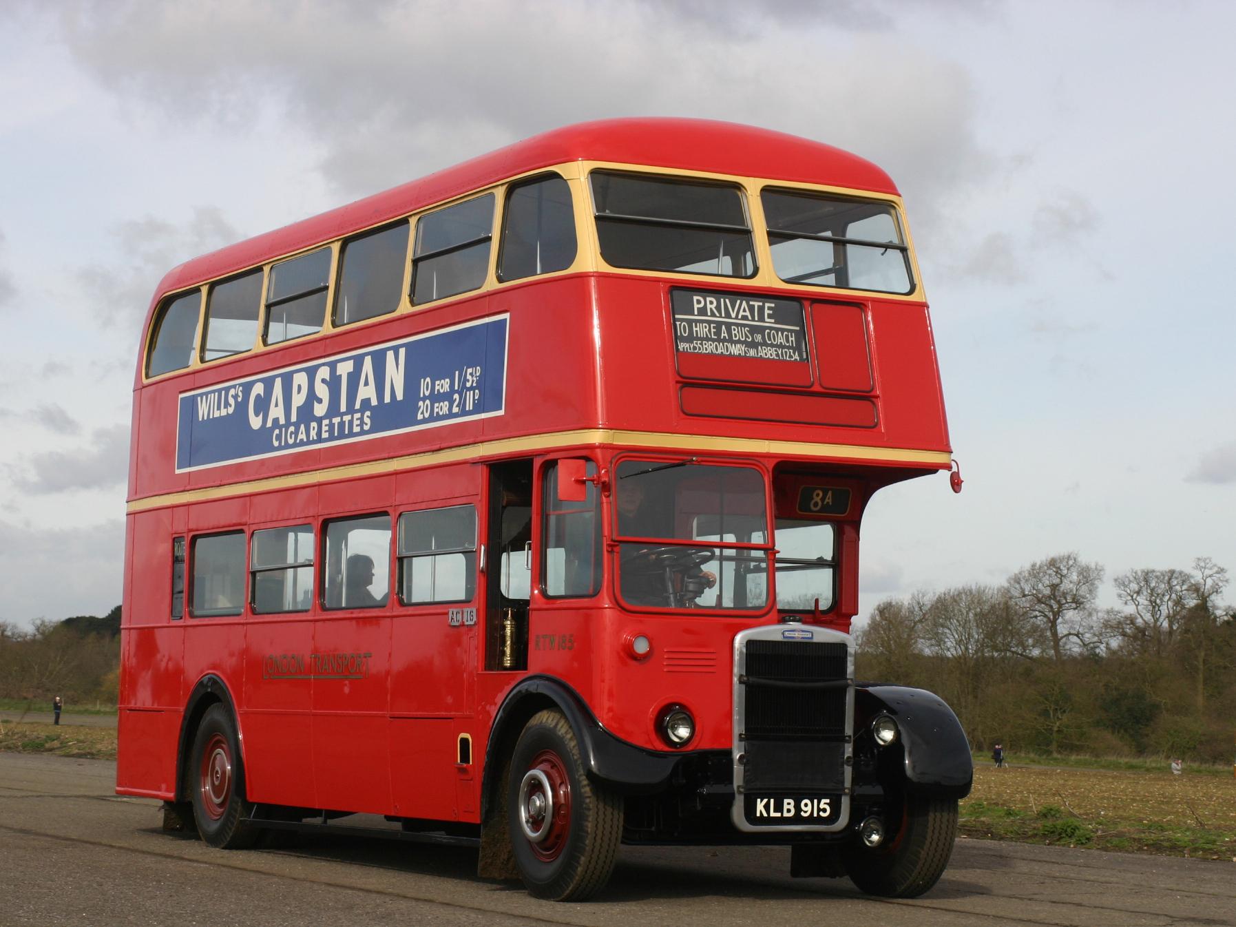 London Transport:<br>KLB915