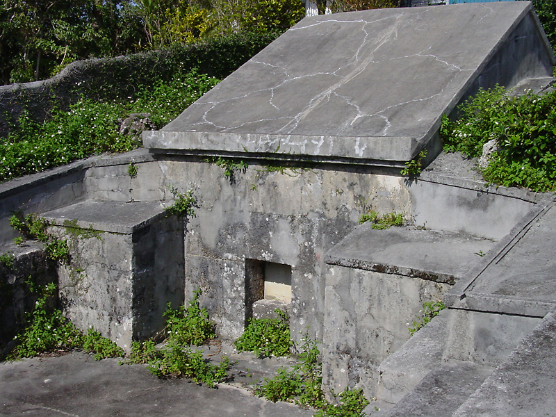 Old neighborhood tomb