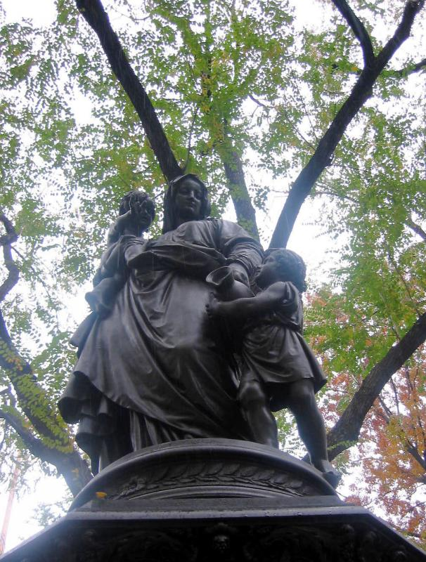 Union Square Park - Mother and Children